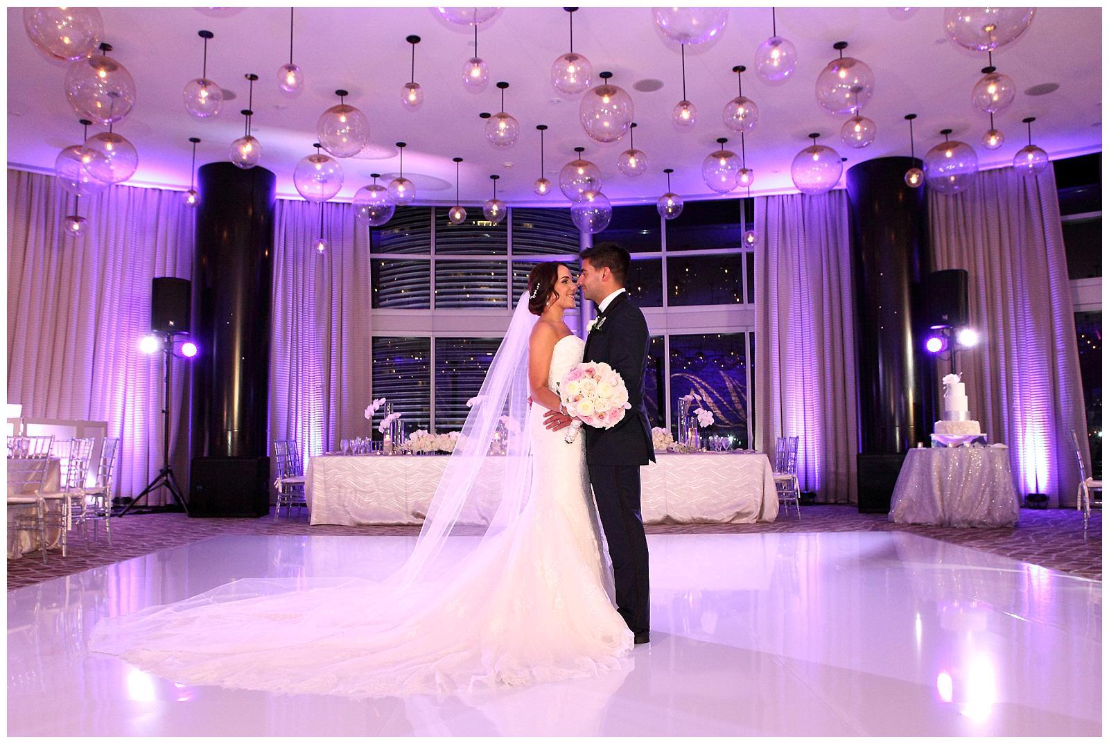 melissa alfred epic hotel wedding cake elegant temptations. Black Bedroom Furniture Sets. Home Design Ideas